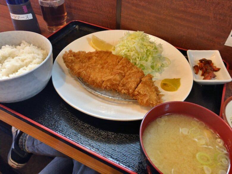 とんかつ大谷の紹介アイキャッチ(ロースカツ定食)