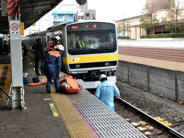 電車のガラスアップ