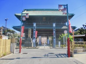 中山法華経寺の仁王門
